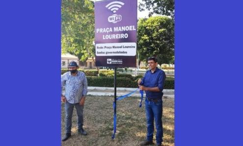 Prefeito Alex reativa e aumenta velocidade de internet na Praça Manoel Loureiro
